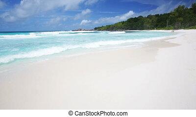 La Digue Beach, Seychelles - Perfect white beach with...