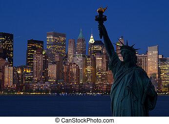 la estatua de la libertad, y, horizonte de manhattan