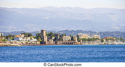 La Napoule and the castle from the