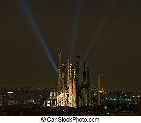 La Sagrada Familia - Nocturna de La Sagrada Familia con...