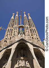 La Sagrada Familia - The Passion Facade of Antoni Gaudi`s...