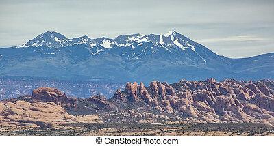 La Sal Mountain seen from a cliff in Moab Utah