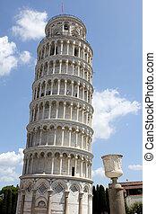 la torre se inclinando de pisa, en, italia