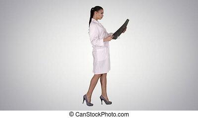 labcoat, balayage, femme, radiographic, gradient, personnel, image, intellectuel, regarder, arrière-plan., mri, healthcare, blanc, rayon x, ct