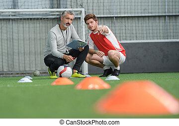 labdarúgás, edző, birtoklás, egy, beszélgetés, noha, a, játékos