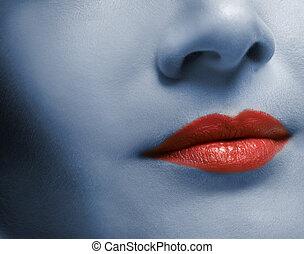 labios rojos, y, piel, toned, en, azul