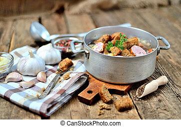 lable, vieux, coloré, ampoules, poivre, cuillère bois, rustique, soupe, ail, frais, clous girofle, croûtons, table, serviette, casserole