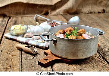 lable, vieux, soupe, ampoules, poivre, cuillère bois, rustique, serviette, ail frais, casserole, clous girofle, table, croûtons, coloré