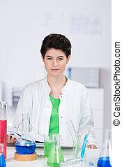 laboratorio, químicos, científico, hembra, escritorio