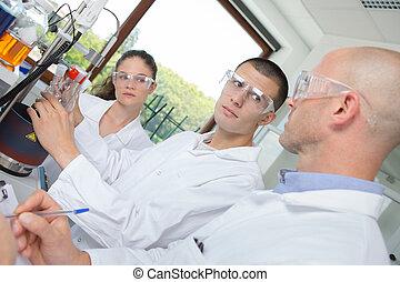 laboratorium, deltagare