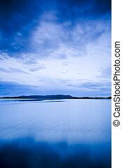 lac, coucher soleil