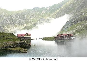 lac, montagne, hôtel