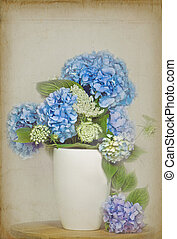 Lace And Lavender - Hydrangea and Queen Anne\'s Lace in...