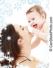 lachen, blauw-eyed, baby, spelend, met, mamma