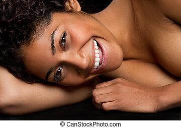 lachen, zwarte vrouw