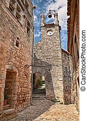 lacoste, vaucluse, provence, france:, der, glocke, und, uhrenturm, in, der, mittelalterlich, dorf