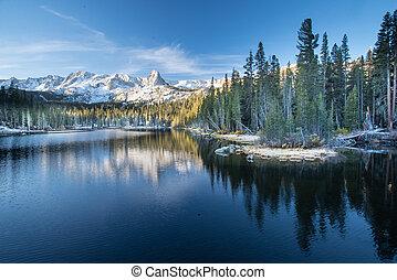lacs gigantesques, à, levers de soleil