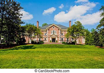 ladrillo rojo, mansión, en, verde, herboso, colina