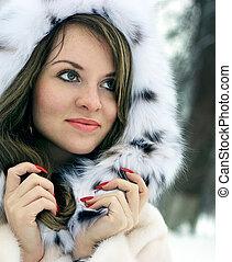 Lady in fur - Beautiful lady in fur in the winter