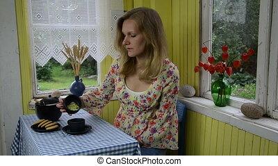 lady make natural tea
