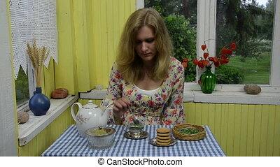 lady mint tea drink