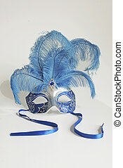 Lady's mask with feathers