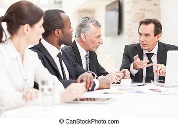 lag, av, a, kolleger, arbeta på, affär, planer, tillsammans