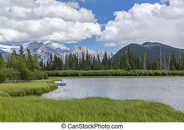 laghi vermillion, e, montagne rocciose, -, banff parco nazionale, canada