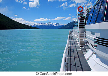 Lago Argentino Tour Boat - Patagonian tour boat on Lago...