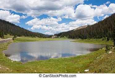 lago, in, montagna rocciosa parco nazionale