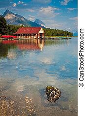 lago maligne, in, jasper parco nazionale, alberta