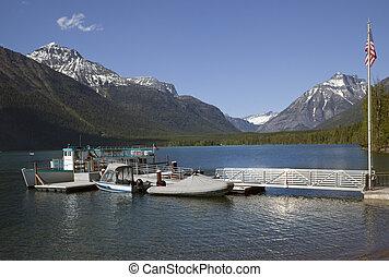 lago mcdonald, barcos, parque nacional del glaciar