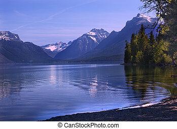 lago mcdonald, reflexión, parque nacional del glaciar,...