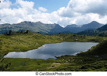 lago montaña