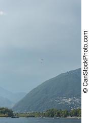 lago montagna, acqua, sopra, fronte, paragliding