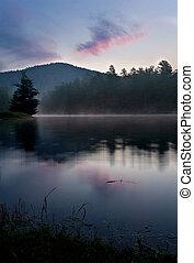 lago montanha, amanhecer