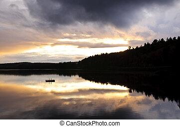 lago, pôr do sol, sobre, floresta