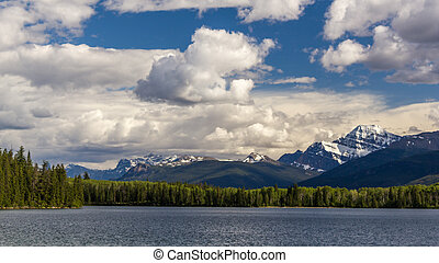 lago pirâmide, jasper parque nacional, alberta, canadá