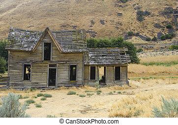lakatlan, épület, öreg