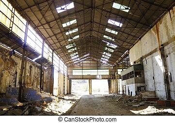 lakatlan, gyár