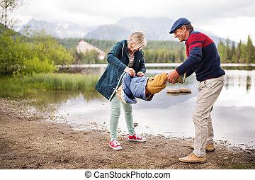lake., 男の子, わずかしか, 年長の カップル