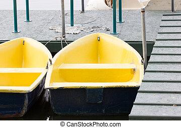 lake., barcos remos