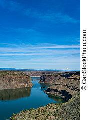 Lake Billy Chinook reservoir in central Oregon high desert