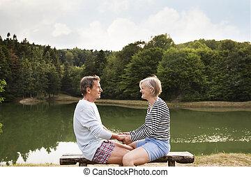 lake., couple, banc, personne agee, séance