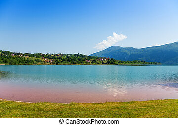 Lake d'aiguebelette in France