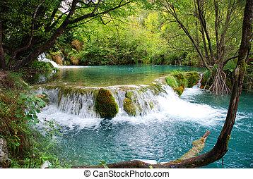 Beautiful lake country, Plitvica lakes
