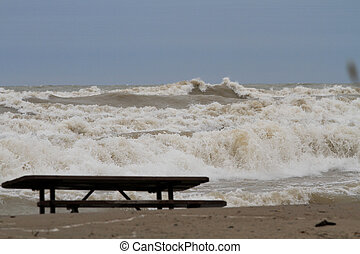 lake erie spring 2019 big waves
