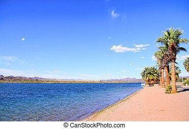 Lake Haivasu - Scenic landscape at Lake Havasu city in ...