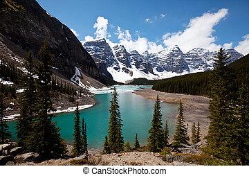 Lake in Canada - Moraine lake in Canada