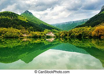 Lake in mountain.